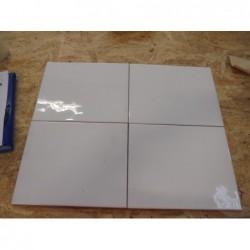 Faïence blanche ( 25 x 20 ) lot de 2,4 m²